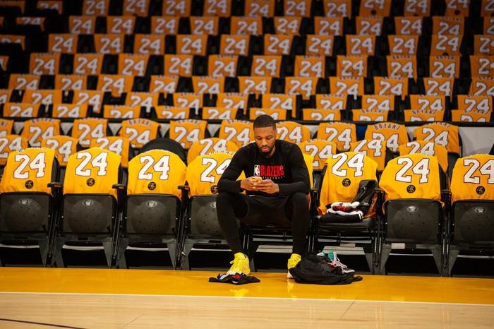 Damian Lillard cập bến Los Angeles Lakers: Chuyện không tưởng ở thị trường chuyển nhượng NBA - Ảnh 5.