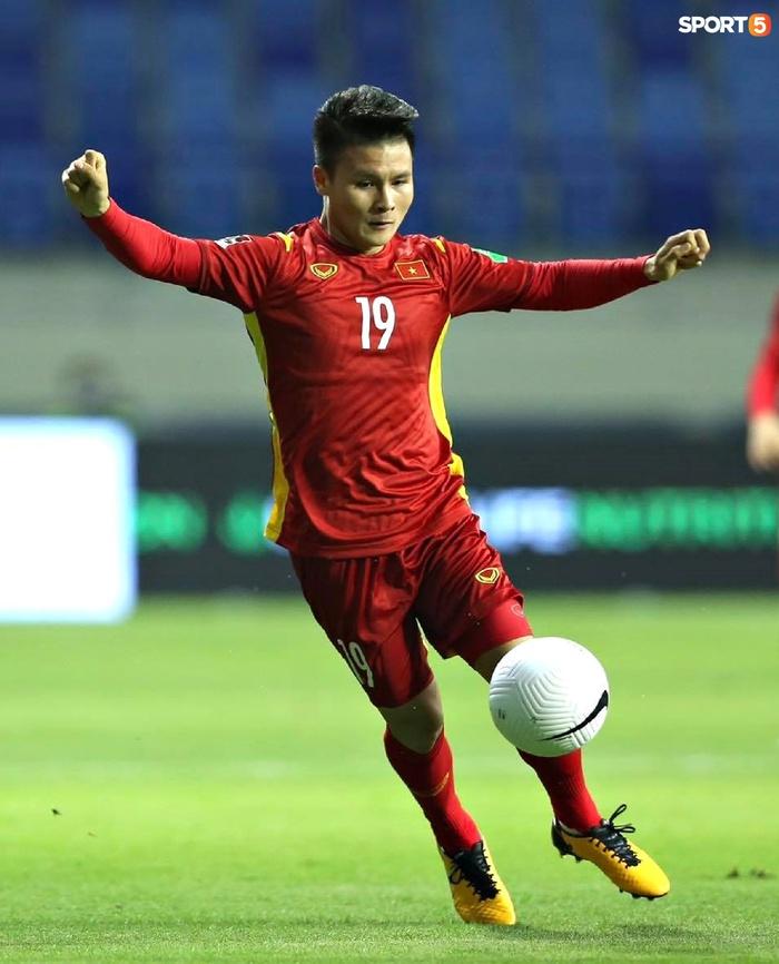 Quang Hải sẽ bị treo giò trong trận đấu gặp Malaysia - Ảnh 2.