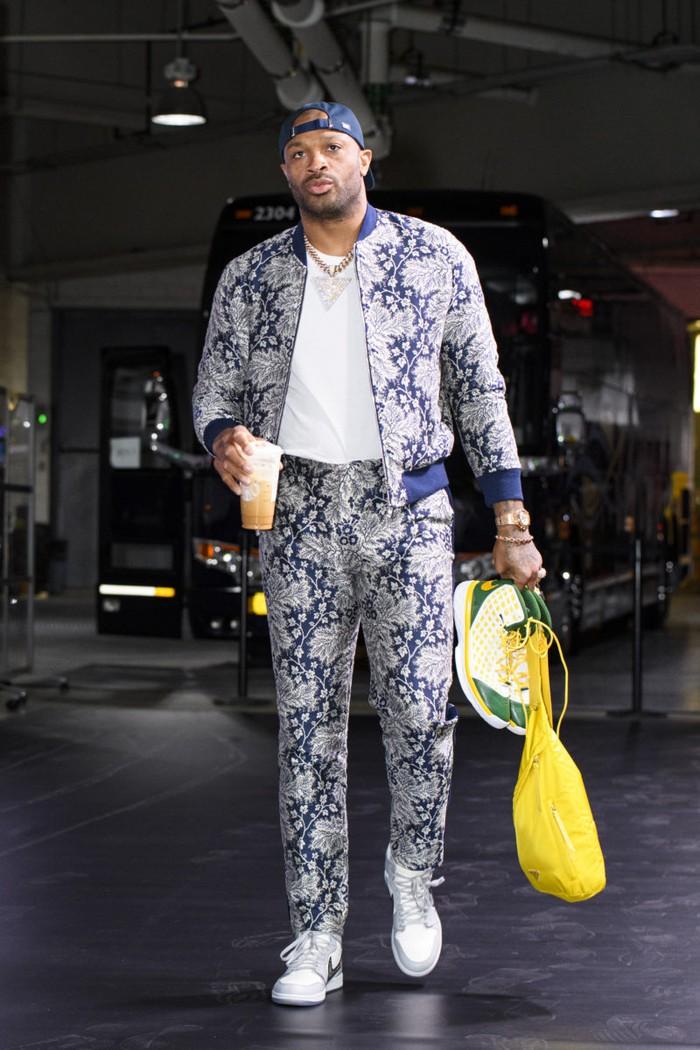 Ông hoàng sneaker PJ Tucker tiếp tục chơi trội tại chung kết NBA - Ảnh 3.