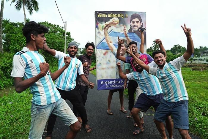 Lạ lùng fan châu Á đi bão mừng chiến thắng lịch sử của Messi và tuyển Argentina - Ảnh 7.