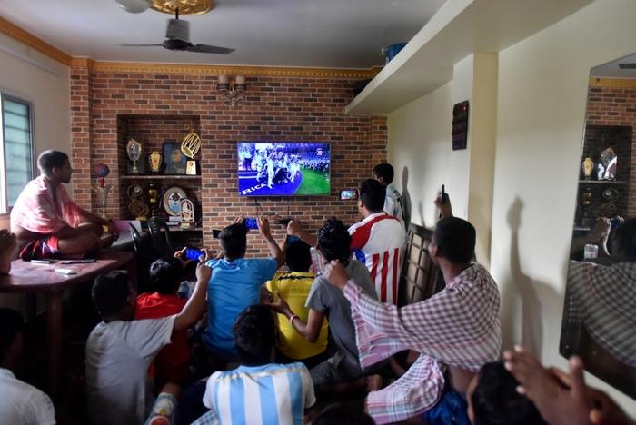 Lạ lùng fan châu Á đi bão mừng chiến thắng lịch sử của Messi và tuyển Argentina - Ảnh 5.