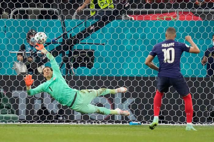 5 cầu thủ chơi hay nhất ở Euro 2020  - Ảnh 2.