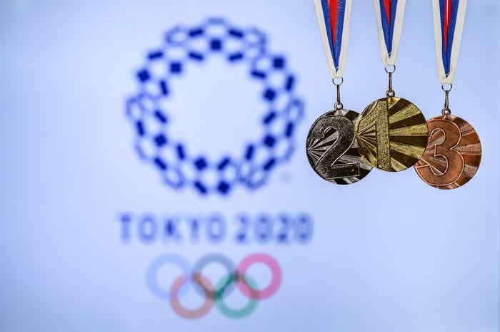 Bộ huy chương chính thức của Olympic 2020 có gì đặc biệt? - Ảnh 2.