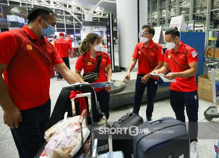 VĐV Việt Nam bị giấu hộ chiếu, hú hồn trước giờ bay đến Olympic Tokyo 2020 - Ảnh 8.