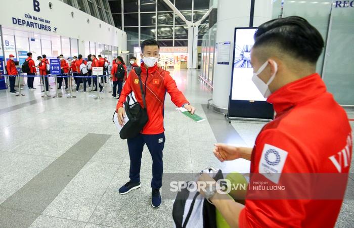 VĐV Việt Nam bị giấu hộ chiếu, hú hồn trước giờ bay đến Olympic Tokyo 2020 - Ảnh 2.