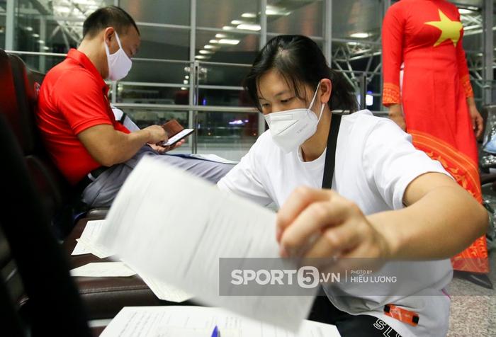 Đoàn thể thao Việt Nam mang mỳ tôm, chia hành lý trước giờ lên đường dự Olympic Tokyo 2020 - Ảnh 2.