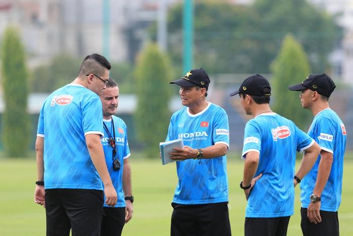 """HLV Mai Đức Chung: """"Đối thủ tại vòng loại Asian Cup rất xa lạ, Việt Nam không nên chủ quan"""" - Ảnh 1."""