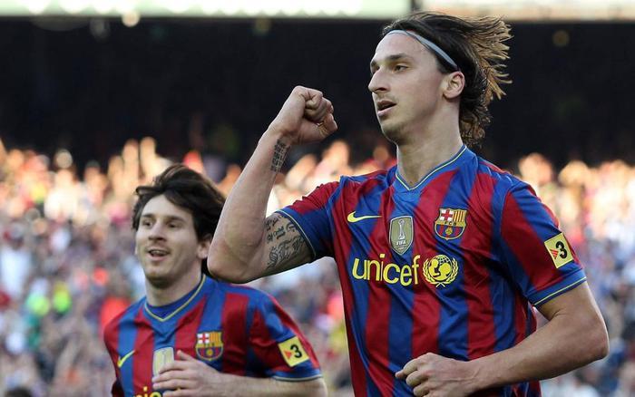 5 ngôi sao bị Messi làm lu mờ trong màu áo Barcelona - Ảnh 7.