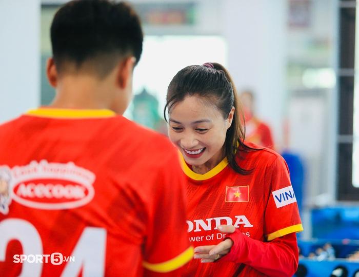 Mê mẩn trước nhan sắc của dàn tuyển thủ nữ Việt Nam - Ảnh 1.