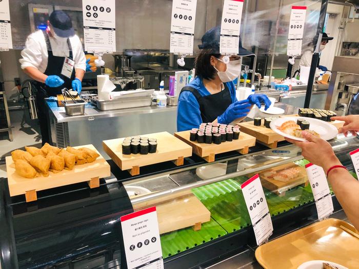 Cận cảnh nhà ăn Olympic 2020 siêu lớn: Phục vụ 3000 người cùng lúc, 700 món ăn mỗi bữa - ảnh 5