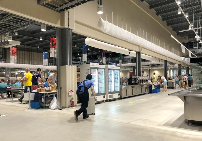 Cận cảnh nhà ăn Olympic 2020 siêu lớn: Phục vụ 3000 người cùng lúc, 700 món ăn mỗi bữa - ảnh 2