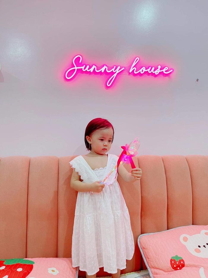 Quế Ngọc Hải lỡ sinh nhật Sunny, hẹn thực hiện màn úp bánh gây cười: Năm nay không thoát được đâu con gái - ảnh 4