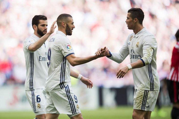 3 ngôi sao luôn đứng dưới cái bóng của Ronaldo - Ảnh 3.