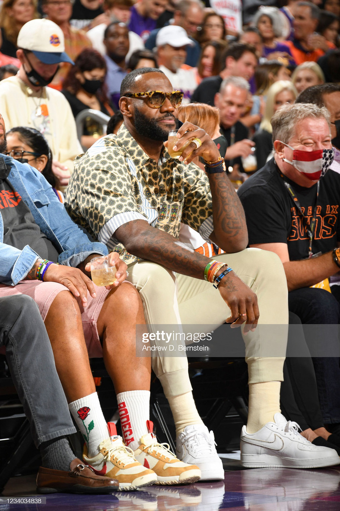 Magic Johnson: Chris Paul cần phải gọi ngay cho người bạn thân LeBron James - Ảnh 4.