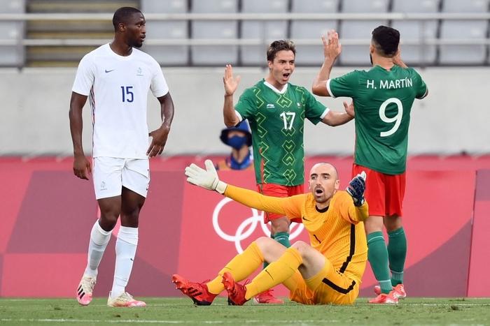 """""""Vùi dập"""" đội tuyển Pháp với tỷ số khó tin 4-1, Mexico ra quân ấn tượng tại Olympic 2020 - Ảnh 7."""