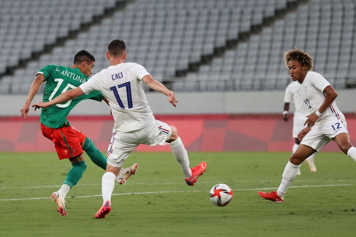 """""""Vùi dập"""" đội tuyển Pháp với tỷ số khó tin 4-1, Mexico ra quân ấn tượng tại Olympic 2020 - Ảnh 10."""