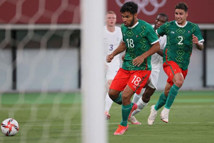 """""""Vùi dập"""" đội tuyển Pháp với tỷ số khó tin 4-1, Mexico ra quân ấn tượng tại Olympic 2020 - Ảnh 12."""