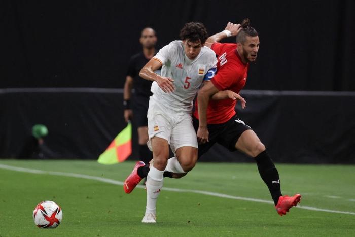 Olympic Ai Cập chơi thô bạo, Olympic Tây Ban Nha mất 2 trụ cột - Ảnh 7.