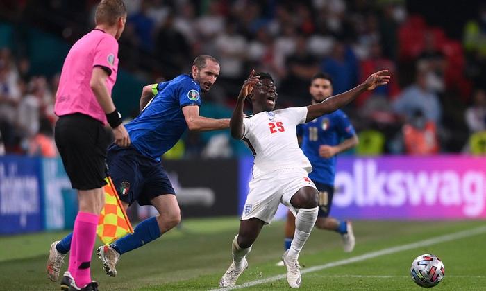 Cựu tuyển thủ Ý khẳng định Azzuri sẽ thắng 1.000 lần nếu đá lại trận chung kết Euro 2020 với đội tuyển Anh - Ảnh 5.