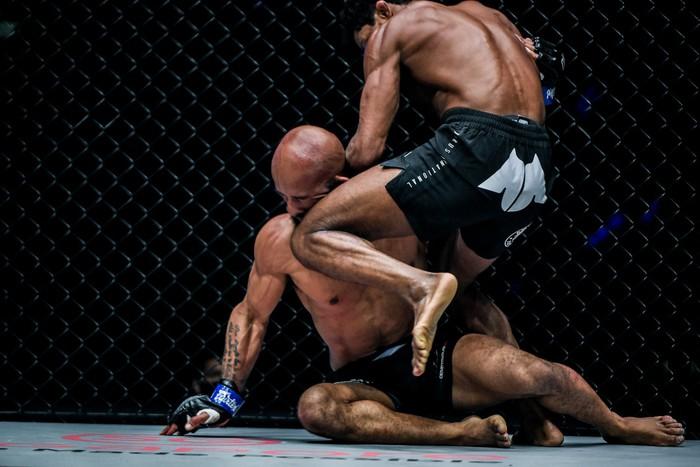 Chủ tịch Chatri Sityodtong: Tất cả võ sĩ UFC đến ONE đều bị hạ đo ván - Ảnh 1.