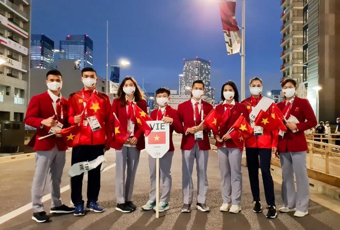 VĐV Việt Nam phấn khích trước giờ khai mạc Olympic Tokyo 2020 - Ảnh 2.