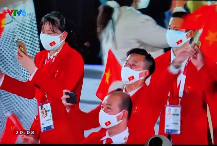 Tự hào hình ảnh Đoàn thể thao Việt Nam xuất hiện ở lễ khai mạc Olympic Tokyo 2020 - Ảnh 2.
