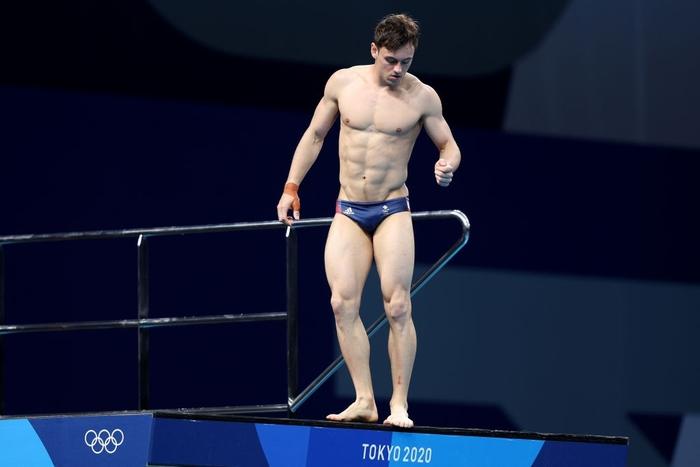 Nam thần khiến các fan ối giời ơi khi cởi áo tập luyện tại Olympic: Cơ bụng đỉnh cao chẳng kém gì Ronaldo - ảnh 3