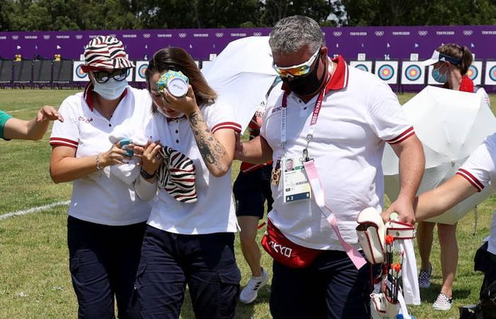 Nữ cung thủ ngất xỉu sau khi vừa hoàn thành phần thi tại Olympic Tokyo - Ảnh 2.