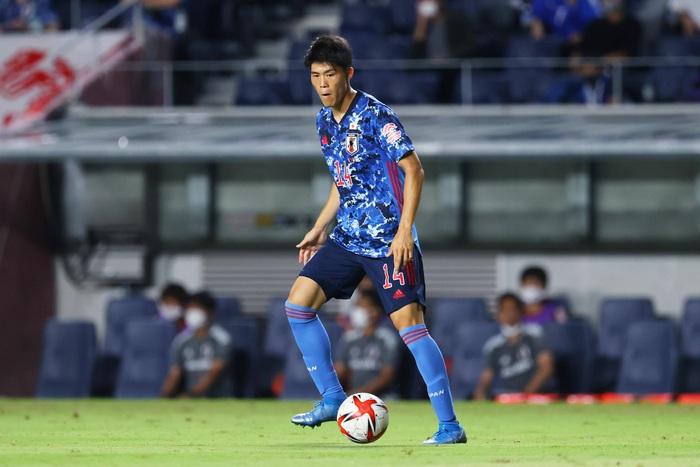 Olympic Nhật Bản có nguy cơ mất cầu thủ đắt giá nhất đội hình trước trận đấu với Mexico - Ảnh 1.