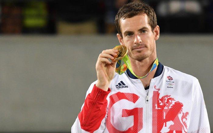 Andy Murray gây chú ý khi chụp chung với nữ VĐV đồng hương trước thềm Olympic - Ảnh 2.