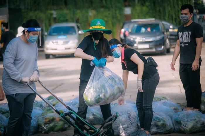 Hotgirl Taekwondo Châu Tuyết Vân không ngại khổ làm tình nguyện viên giữa tâm dịch - Ảnh 2.
