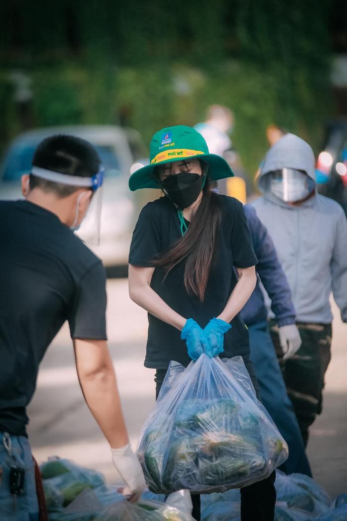 Hotgirl Taekwondo Châu Tuyết Vân không ngại khổ làm tình nguyện viên giữa tâm dịch - Ảnh 3.