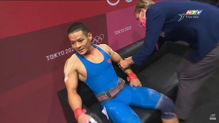 Liên tục để rơi tạ, niềm hy vọng Thạch Kim Tuấn không được tính thành tích tại Olympic 2020 - Ảnh 11.