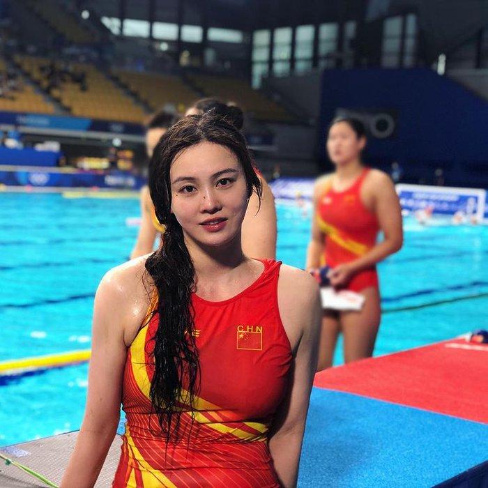 5 người đẹp đốt cháy Olympic Tokyo: VĐV điền kinh nóng bỏng, tan chảy với mỹ nhân ngư Trung Quốc - Ảnh 11.