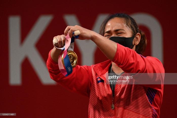 Hidilyn Diaz mang về tấm HCV lịch sử cho thể thao Philippines - Ảnh 6.