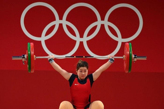 Xúc động khoảnh khắc Hoàng Thị Duyên vẫy tay chào tạm biệt giấc mơ Olympic Tokyo 2020 - Ảnh 5.