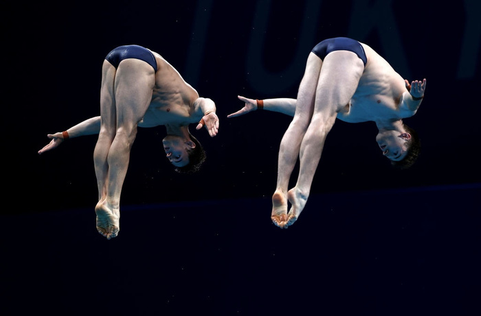 Cặp nam thần của Vương quốc Anh nghẹt thở giành HCV tại Olympic: Mỗi khi đứng chung tạo ra khoảnh khắc có rất nhiều múi - Ảnh 4.