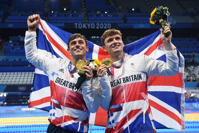 Cặp nam thần của Vương quốc Anh nghẹt thở giành HCV tại Olympic: Mỗi khi đứng chung tạo ra khoảnh khắc có rất nhiều múi - Ảnh 9.