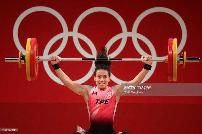 Hoàng Thị Duyên vượt khó giành vị trí thứ 5, đô cử Đài Loan chỉ nhắm phá kỷ lục Olympic - Ảnh 3.