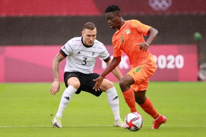 Bị Olympic Bờ Biển Ngà cầm hòa 1-1, Olympic Đức ngậm ngùi rời Thế vận hội ngay sau vòng bảng - Ảnh 3.