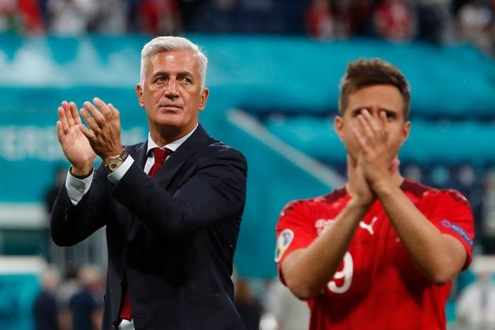 Cầu thủ Thụy Sĩ suy sụp, bật khóc nức nở sau thất bại nghiệt ngã trước Tây Ban Nha - Ảnh 8.