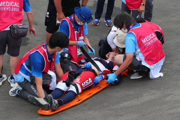 Kinh hoàng khoảnh khắc tay đua BMX bị đồng nghiệp chèn qua người, phải nhập viện khẩn cấp ở Olympic 2020 - ảnh 5