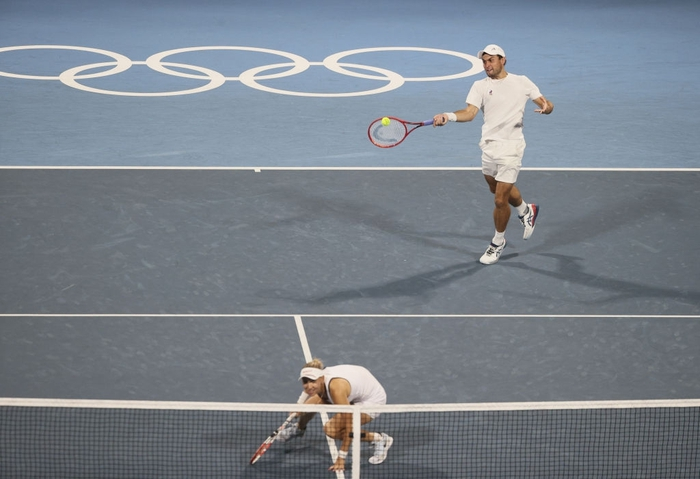 Thua hai trận liên tiếp, Djokovic tan mộng cú đúp vàng chỉ trong một buổi tối - Ảnh 5.
