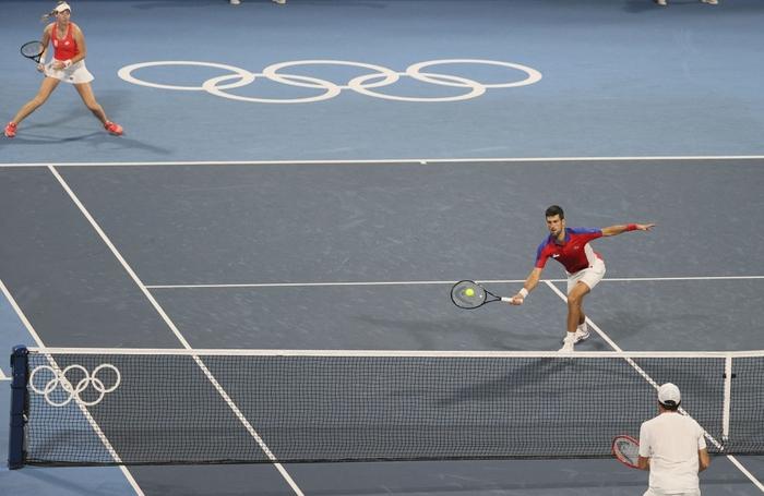 Thua hai trận liên tiếp, Djokovic tan mộng cú đúp vàng chỉ trong một buổi tối - Ảnh 6.