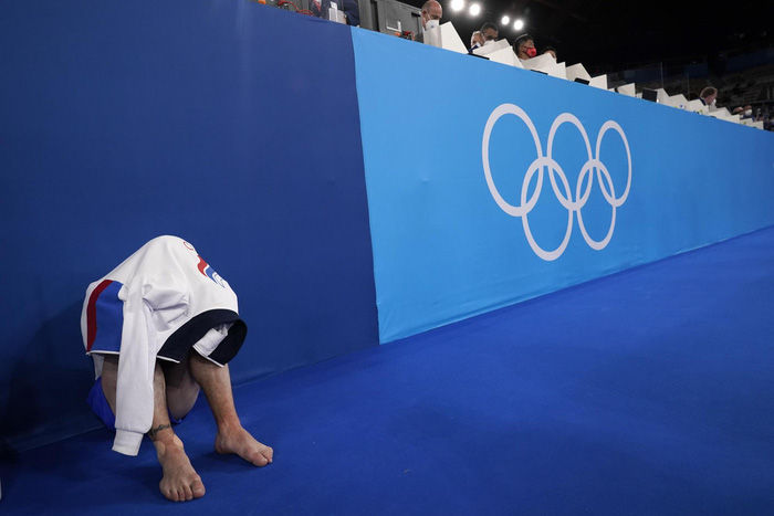 Những khoảnh khắc trào nước mắt của người chiến thắng, kẻ chiến bại tại Olympic Tokyo 2020 - ảnh 15