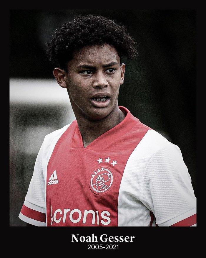Sao trẻ Ajax và anh trai qua đời vì tai nạn giao thông - Ảnh 1.