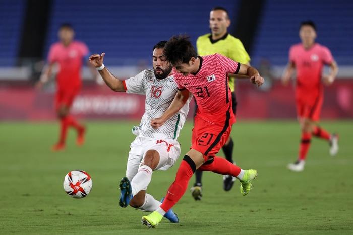 Olympic Hàn Quốc thảm bại 3-6, rơi nước mắt chia tay Thế vận hội Tokyo - ảnh 6