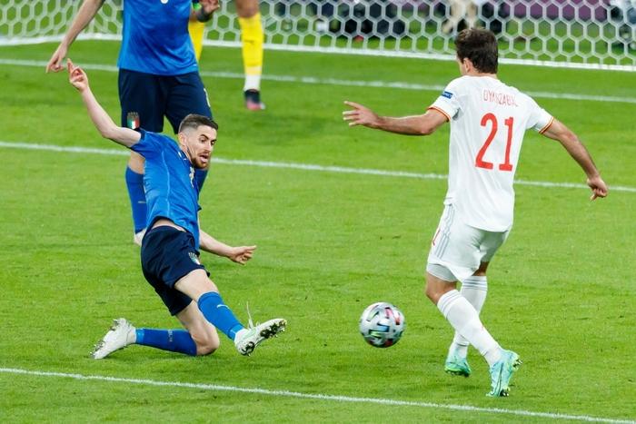 Chấm điểm cầu thủ Italy vs Tây Ban Nha: Tiêu điểm cựu binh - Ảnh 4.
