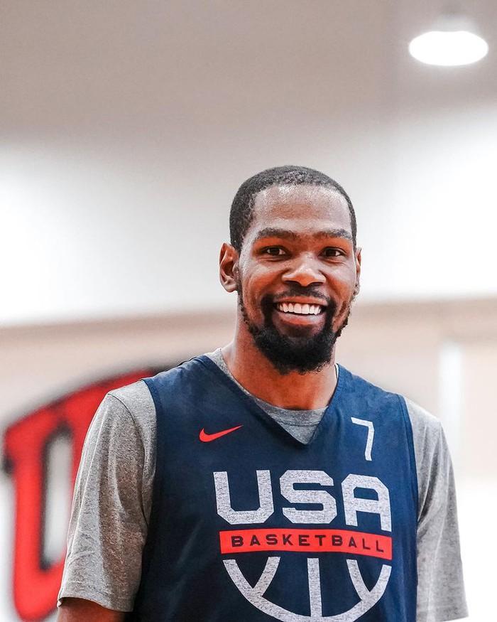 Kevin Durant được ca ngợi vì khả năng lãnh đạo xuất sắc ở đội tuyển Mỹ - Ảnh 1.