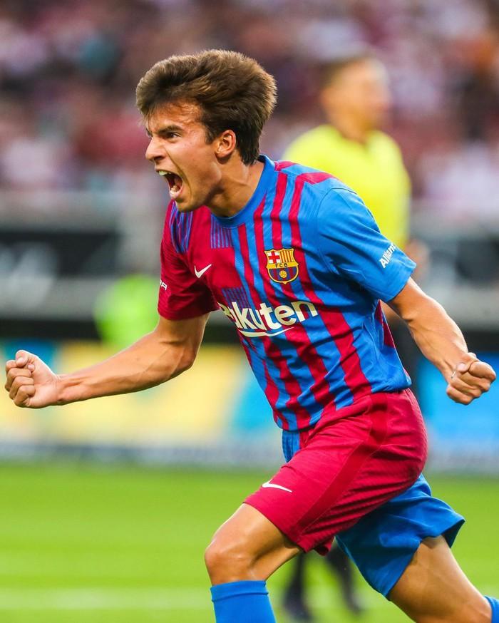 Depay xử lý đẳng cấp, ghi 2 bàn trong 2 trận đầu tiên ở Barcelona - Ảnh 8.